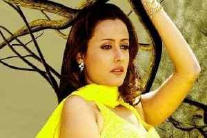 नम्रता ने मिस इंडिया का खिताब जीतकर बॉलीवुड सितारों में दर्ज किया अपना नाम
