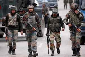 पुलवामा में आतंकियों ने ग्रेनेड से किया हमला, 5 घायल