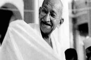 महात्मा गांधी को कांग्रेस के स्वर्ण पदक से सम्मानित किया जाए : अमेरिकी सांसद