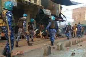 Aligarh Violence news : दिल्ली की हिंसा, अलीगढ़ में फैली, अधिकतर दुकानें बंद