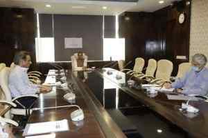 जनता के लिये घर पहुँच सेवा शुरू करें बैंक : मुख्यमंत्री श्री चौहान